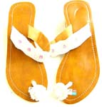 High heel imatition leather sandal with white flower on first toe and 5 white flower on instep parts